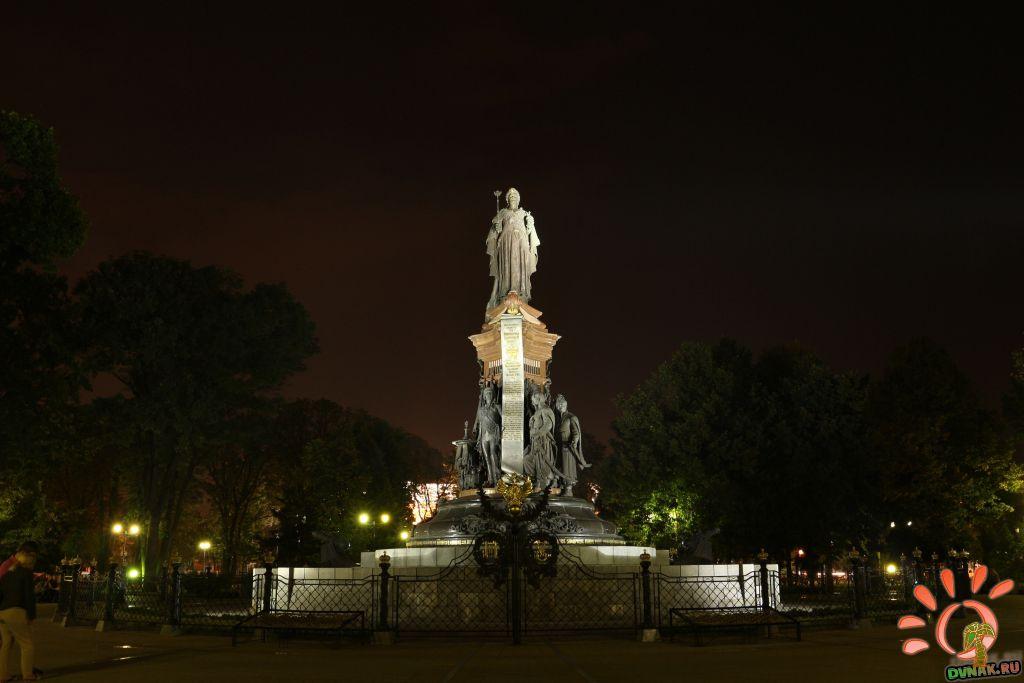 Памятник Екатерине в Краснодаре